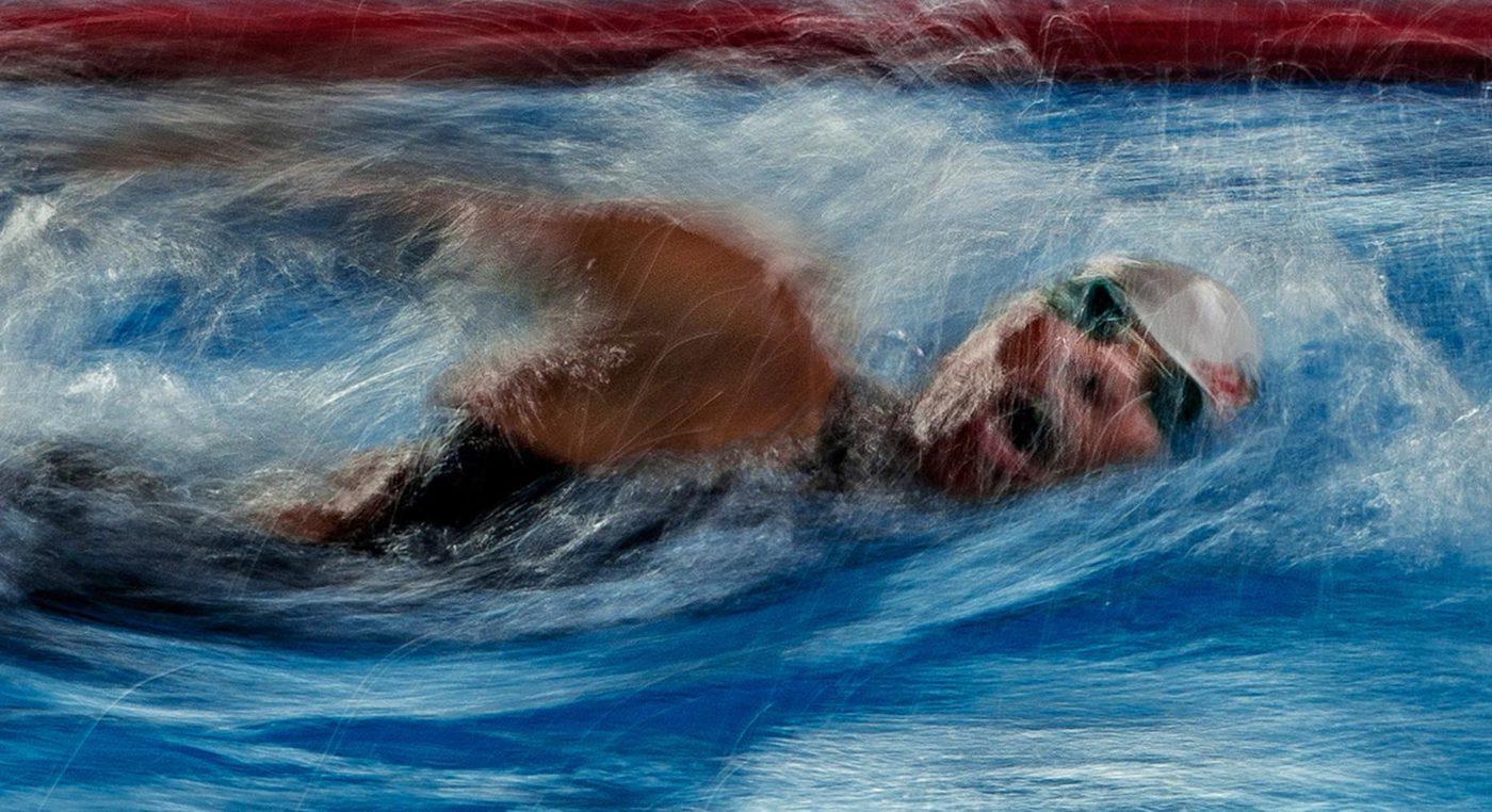 """Giorgio Tani legge """"Nuoto 44"""" di Fabio Garuti"""